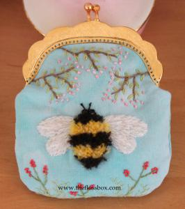 Bee Purse front