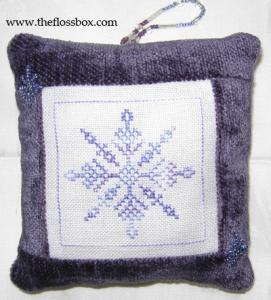 Snowflack pillow